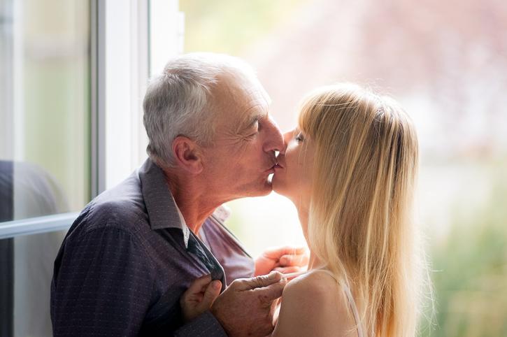 Når ældre mænd søger yngre kvinde